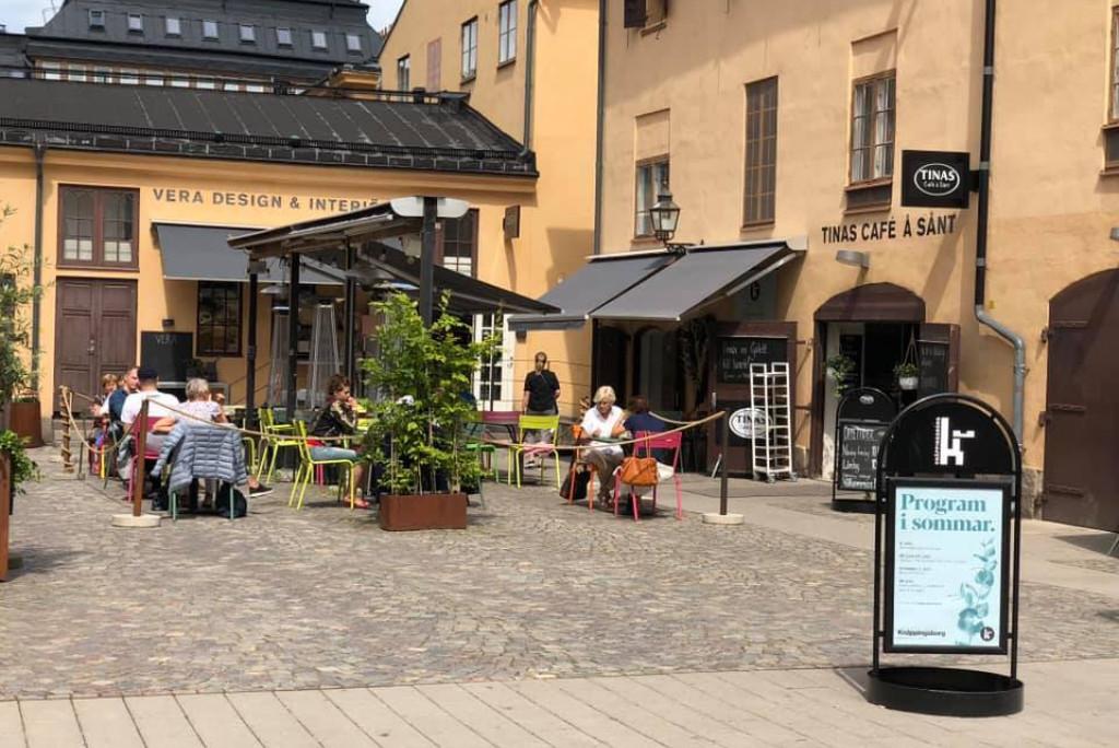 Tinas Café å Sånt